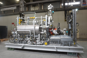 Heat Injection Pressure Energy Recovery (HIPER) system for pressure letdown in pipeline stations